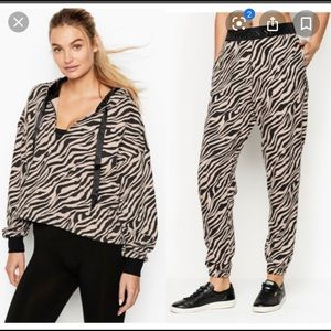 Brand New Victoria Secrets Sweater&Joggers